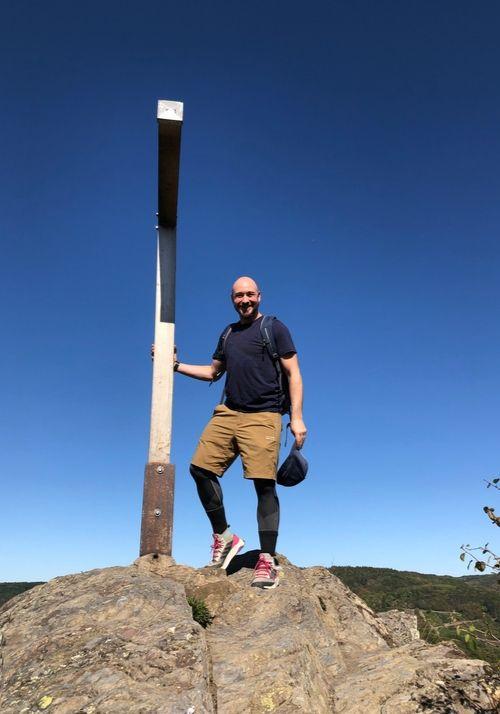 Gipfelkreuz Teufelsley am Ahrsteig