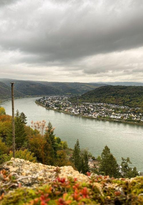 Ausblick von der Marksburg auf den Rhein